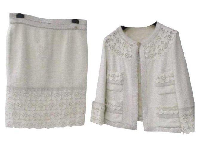 Chanel Chanel 11C ECRU TWEED LACE CAMELLIA  GOLD CC logo Button Jacket Skirt Suit Sz.44 Skirt suit Tweed Multiple colors ref.273330