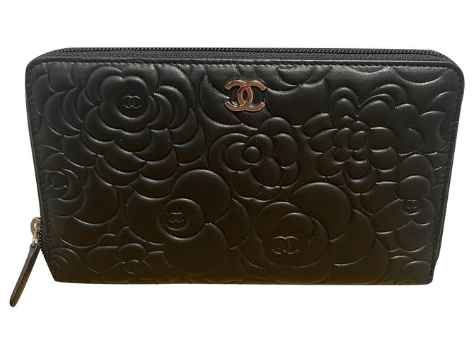 Chanel camellias Wallets Leather Black ref.274810