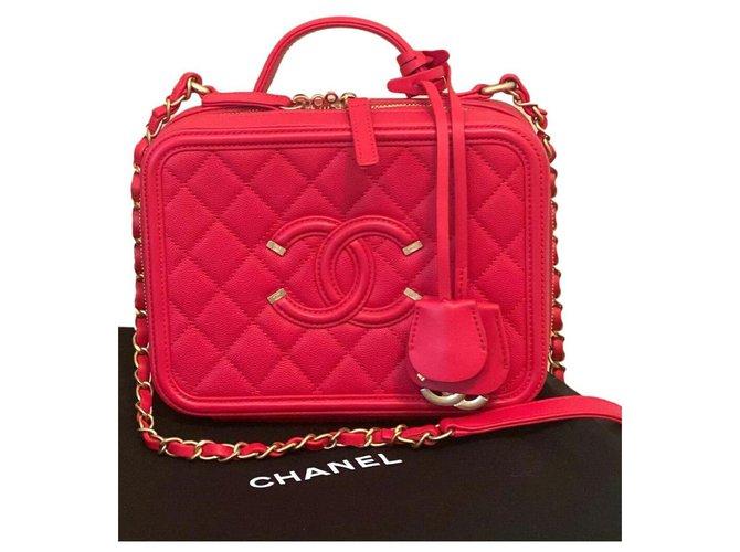 Chanel Chanel Vanity Case Medium bag Handbags Leather Red,Gold hardware ref.276283