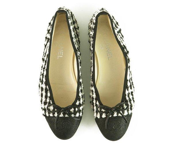 Chanel Chanel Black & White Tweed & Leather Cap Toe Ballet Flats Ballerina shoes sz 38.5 Ballet flats Leather,Tweed Black,White ref.277080