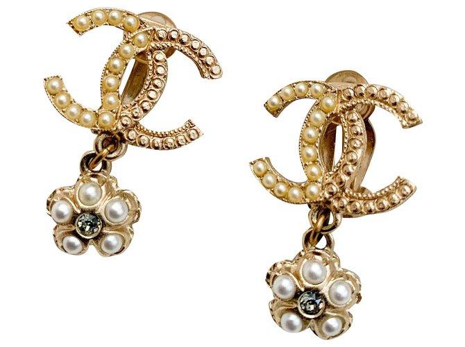 Chanel CC flower logo earrings Earrings Metal Gold hardware ref.277137