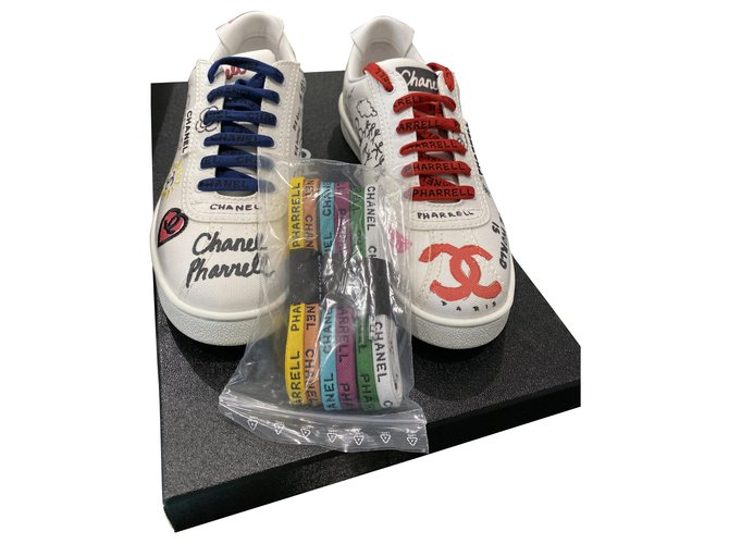 Chanel Sneakers Sneakers Cloth White ref.283490