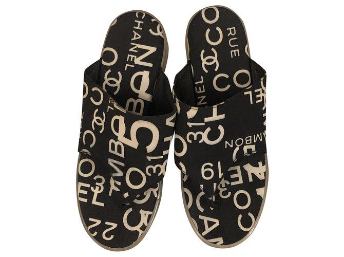 Chanel Sandals White Dark blue Leather Cloth  ref.287280