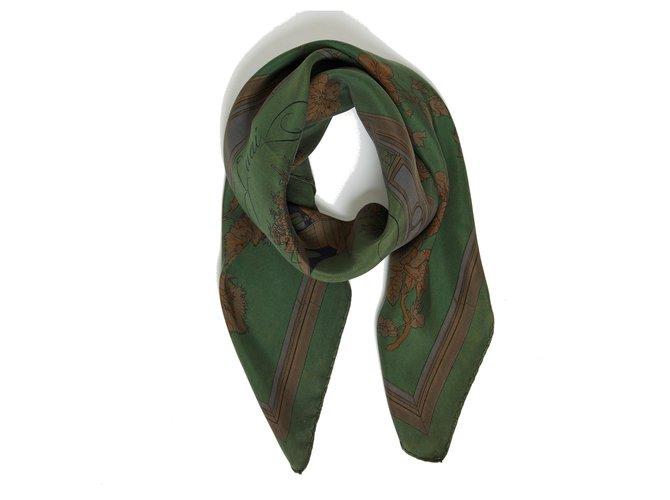 Hermès GREEN DYE FLOWER DOCK Dark green Silk  ref.288499