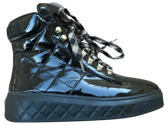 Chanel Sneakers Black Patent leather  ref.290500