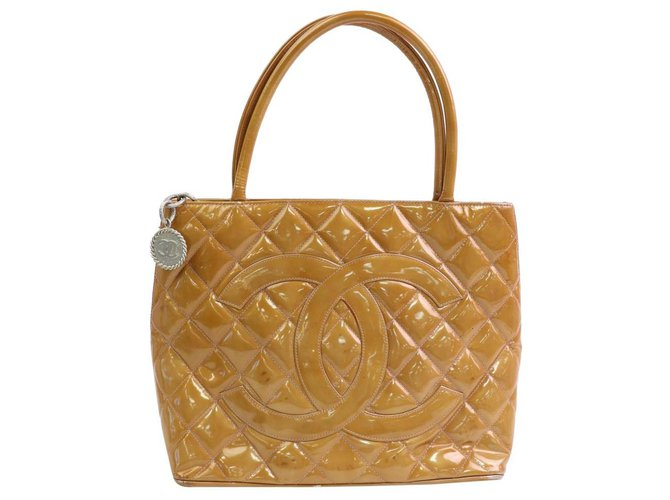 Chanel Quilted Salmon Orange Patent Medallion Zip Tote Leather  ref.294199