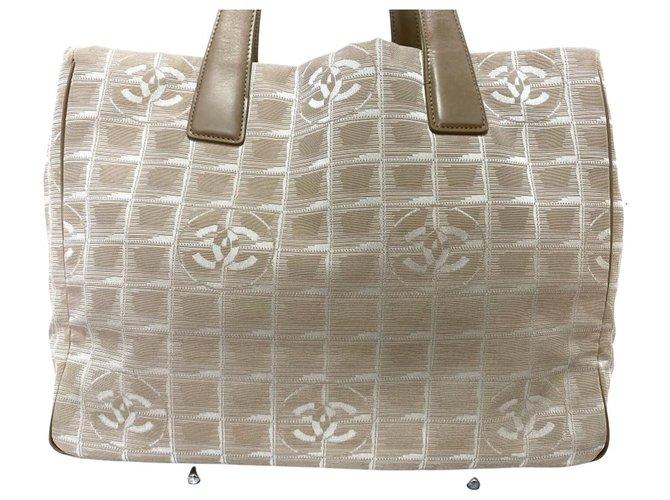 Chanel Travel line Cream Leather  ref.296162