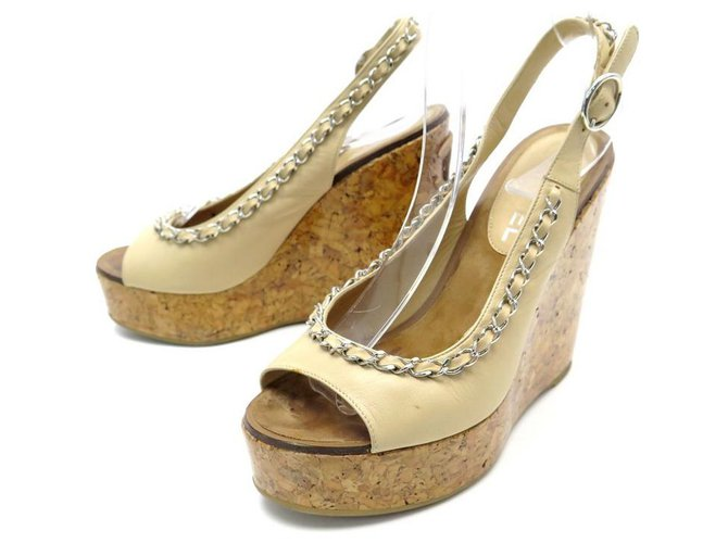 Chanel used shoes 36 BEIGE LEATHER SANDALS WITH SILVER CHAIN  ref.311466