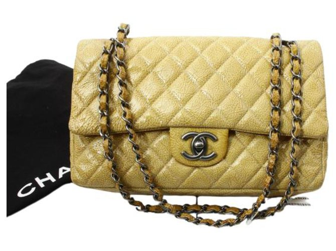 Chanel Timeless Yellow Leather  ref.312455