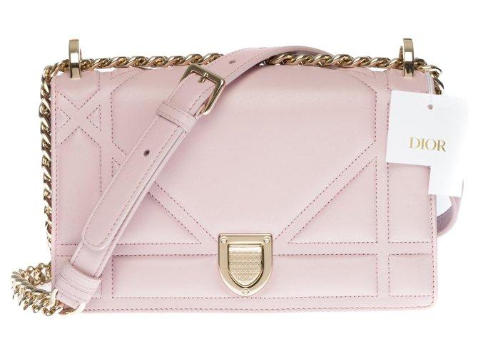 Elegant Christian Dior Diorama shoulder bag in pink lavender lambskin, Garniture en métal argenté Leather  ref.320184