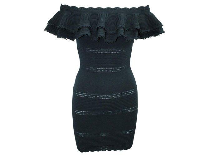 Alexander Mcqueen Off Shoulder Mini Black Dress  ref.324205
