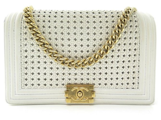 HANDBAG CHANEL GRAND BOY WHITE BRAIDED LEATHER BANDOULIERE LEATHER HAND BAG  ref.329368