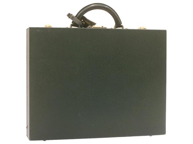 LOUIS VUITTON Taiga Diplomat Attache Case Episea M30012 Auth ar LV4056 Cuir  ref.334774