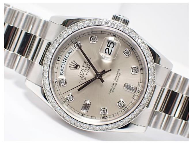 ROLEX DAY DATE Platinum bezel diamond 8P Diamond 2P Baguette diamond 118346A Mens Silvery  ref.351210