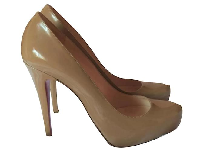 Christian Louboutin louboutin shoes 38 Sand Cream Patent leather  ref.355447