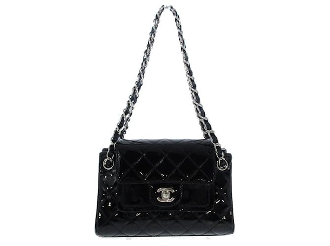 Chanel shoulder bag Black Patent leather  ref.369002