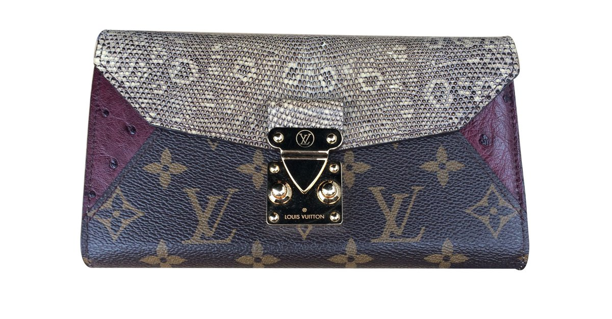 b55a4a775fbe Louis Vuitton Wallets Wallets Leather Python print ref.10472 - Joli Closet