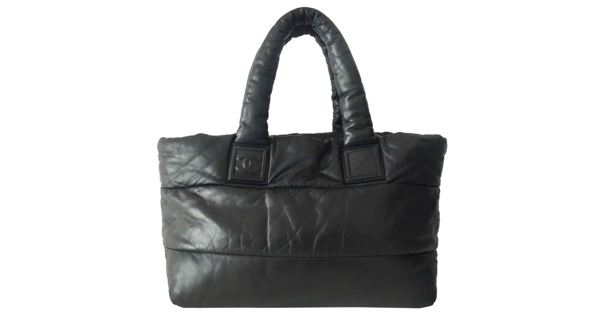34ab0b2b82ac Chanel, COCOON REVERSIBLE. $2,114. Add to my wishlist. Chanel shopping bag  Cocoon - large model ...
