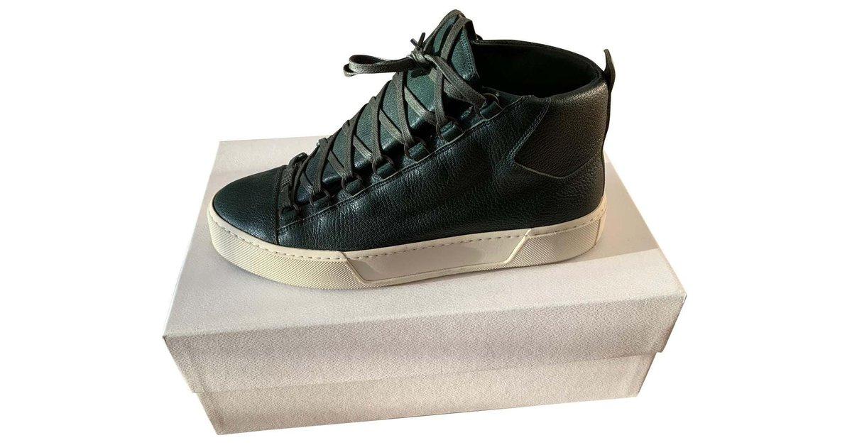 Balenciaga Pair of high sneakers