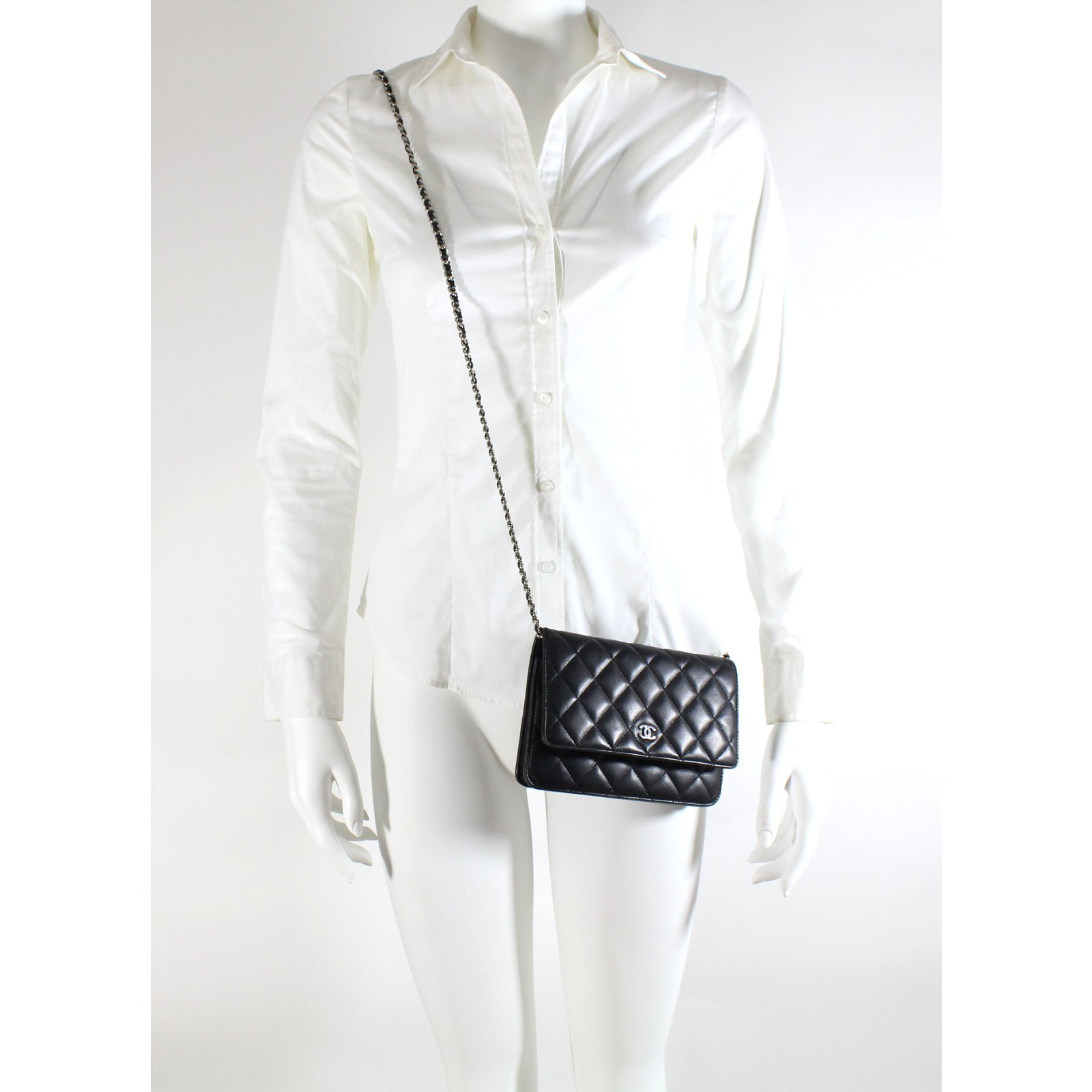 Pochettes Chanel Pochette avec chaîne Chanel Cuir Noir ref.5308 - Joli  Closet 5fe9f05defb
