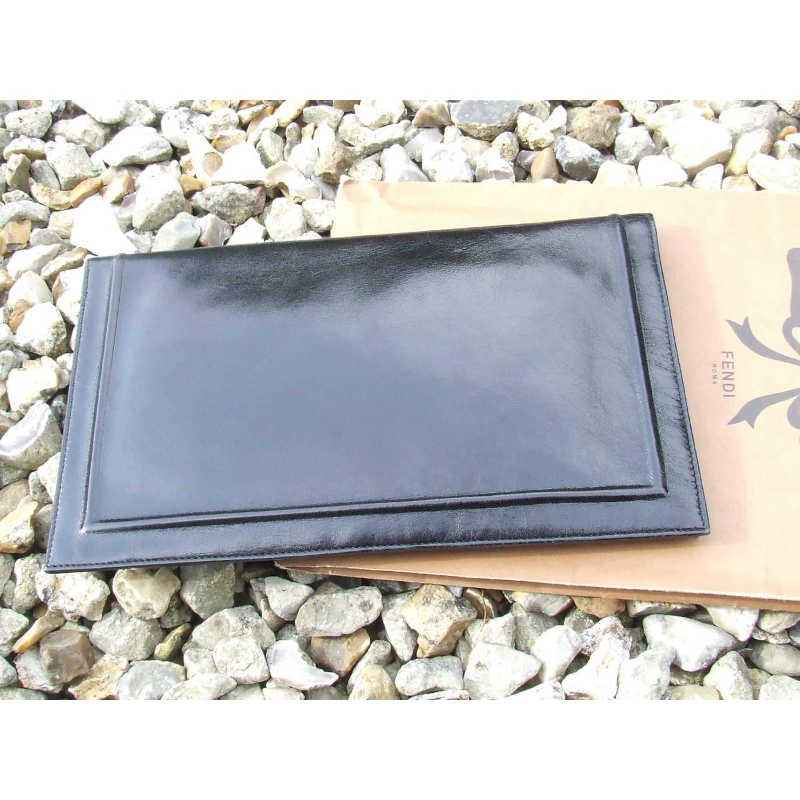 39dbf32093a7 Fendi Clutch bags Clutch bags Leather Black ref.5948 - Joli Closet