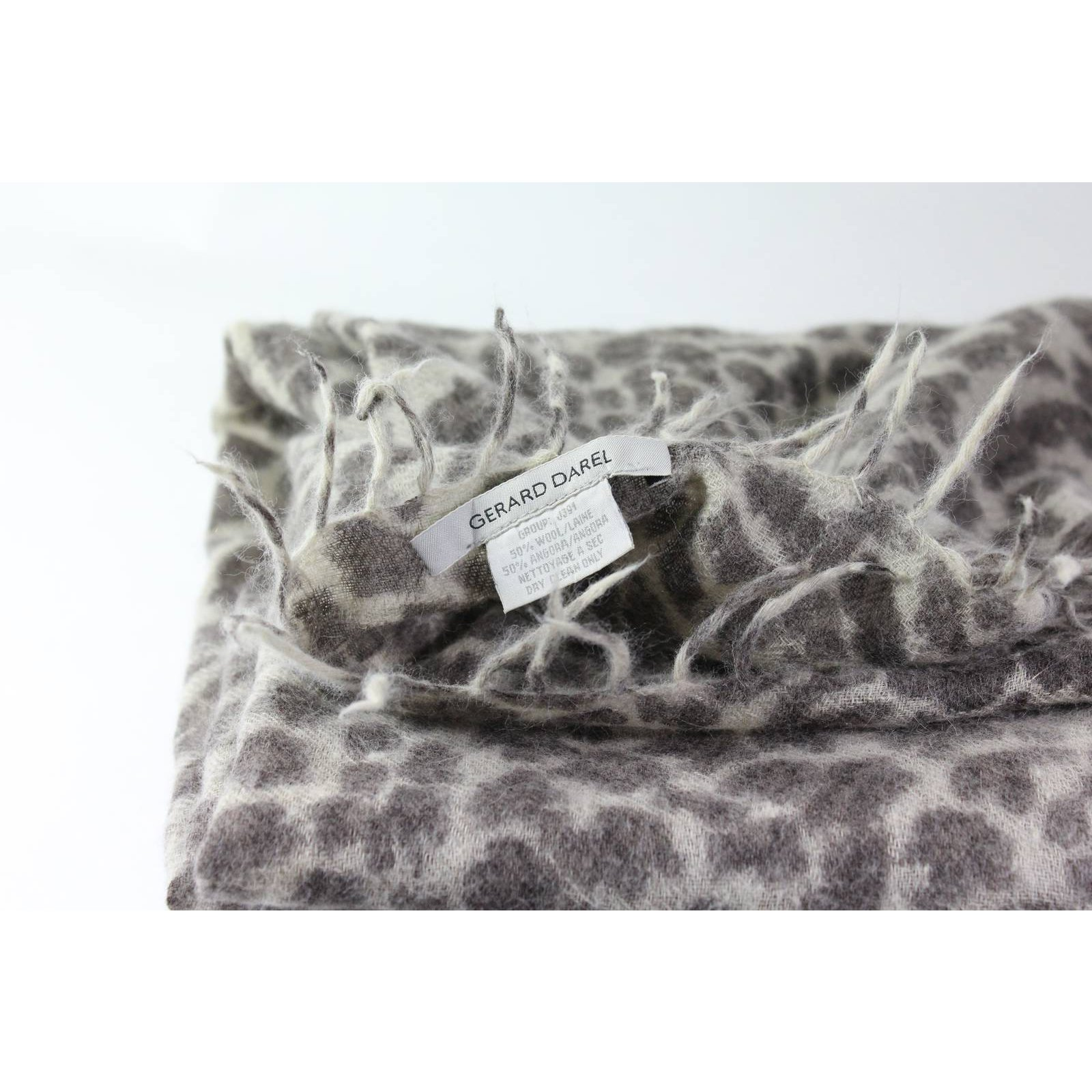 Foulards Gerard Darel Écharpe Laine Imprimé léopard ref.5992 - Joli Closet 1a23c0d8e84