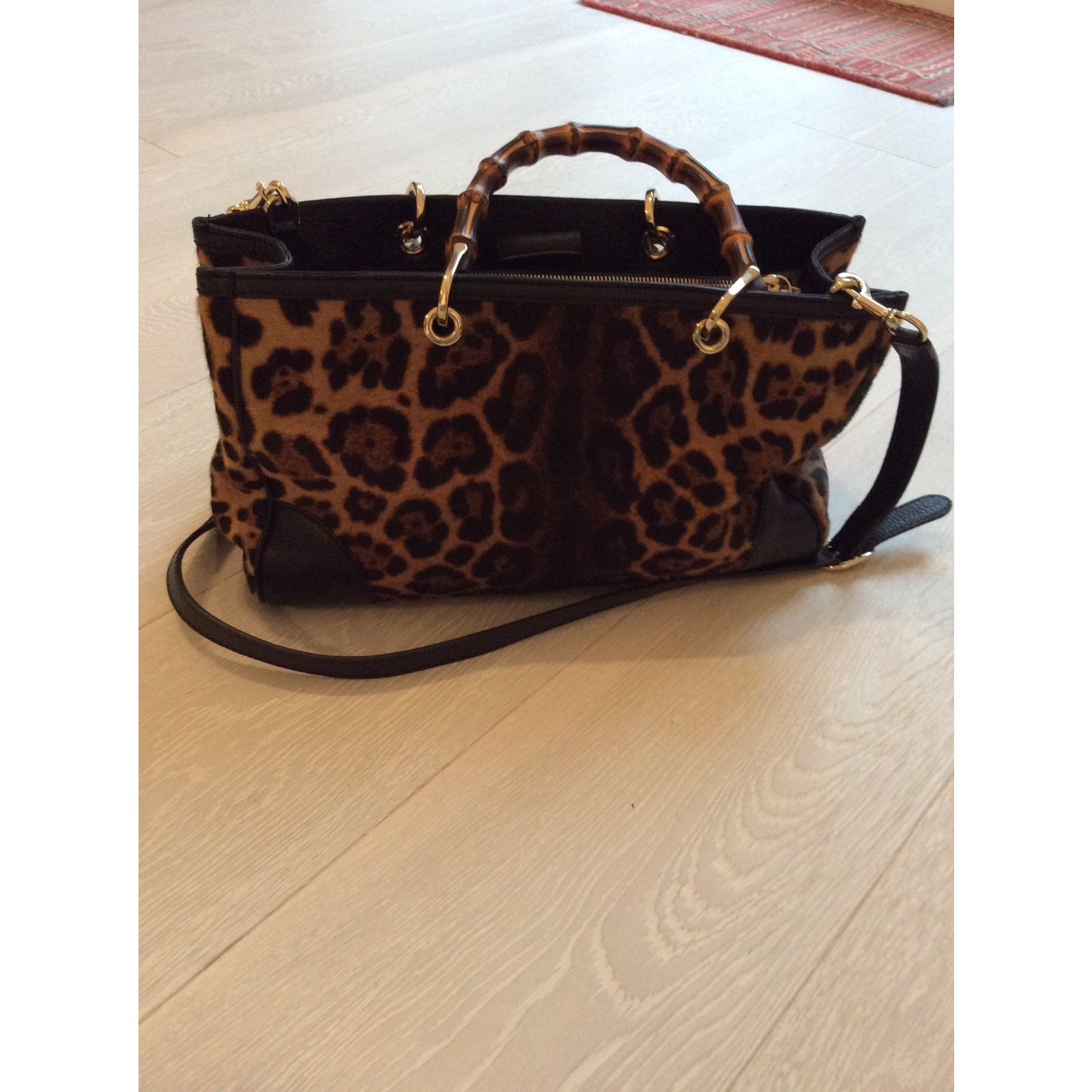 d2986ad89592 Cabas Gucci sac cabas bamboo shopper Cuir Imprimé léopard ref.13905 - Joli  Closet