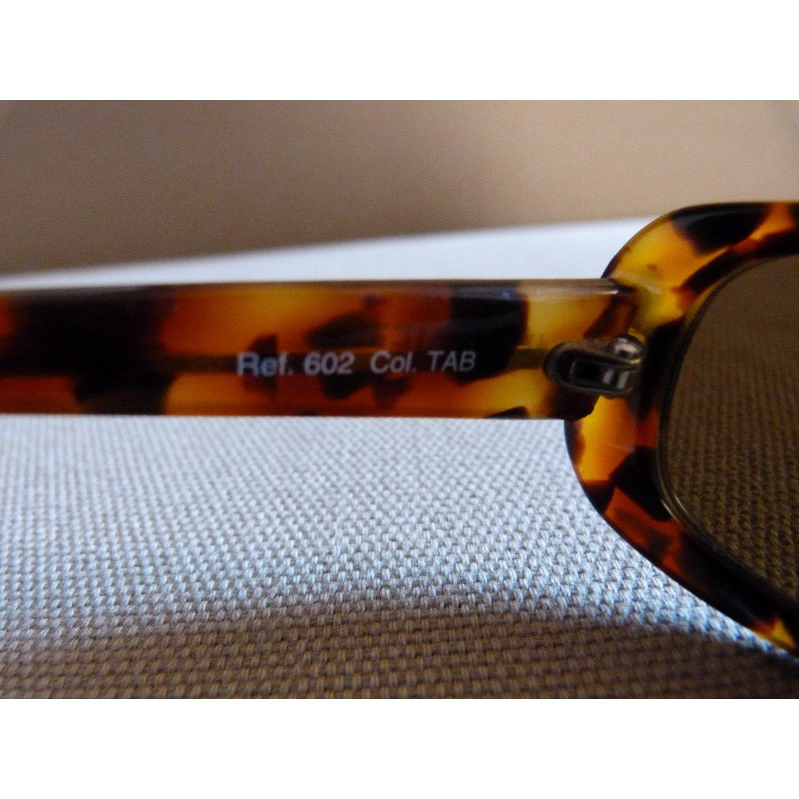 04f45cc27244 Autre Marque Sunglasses Sunglasses Plastic Brown ref.15904 - Joli Closet