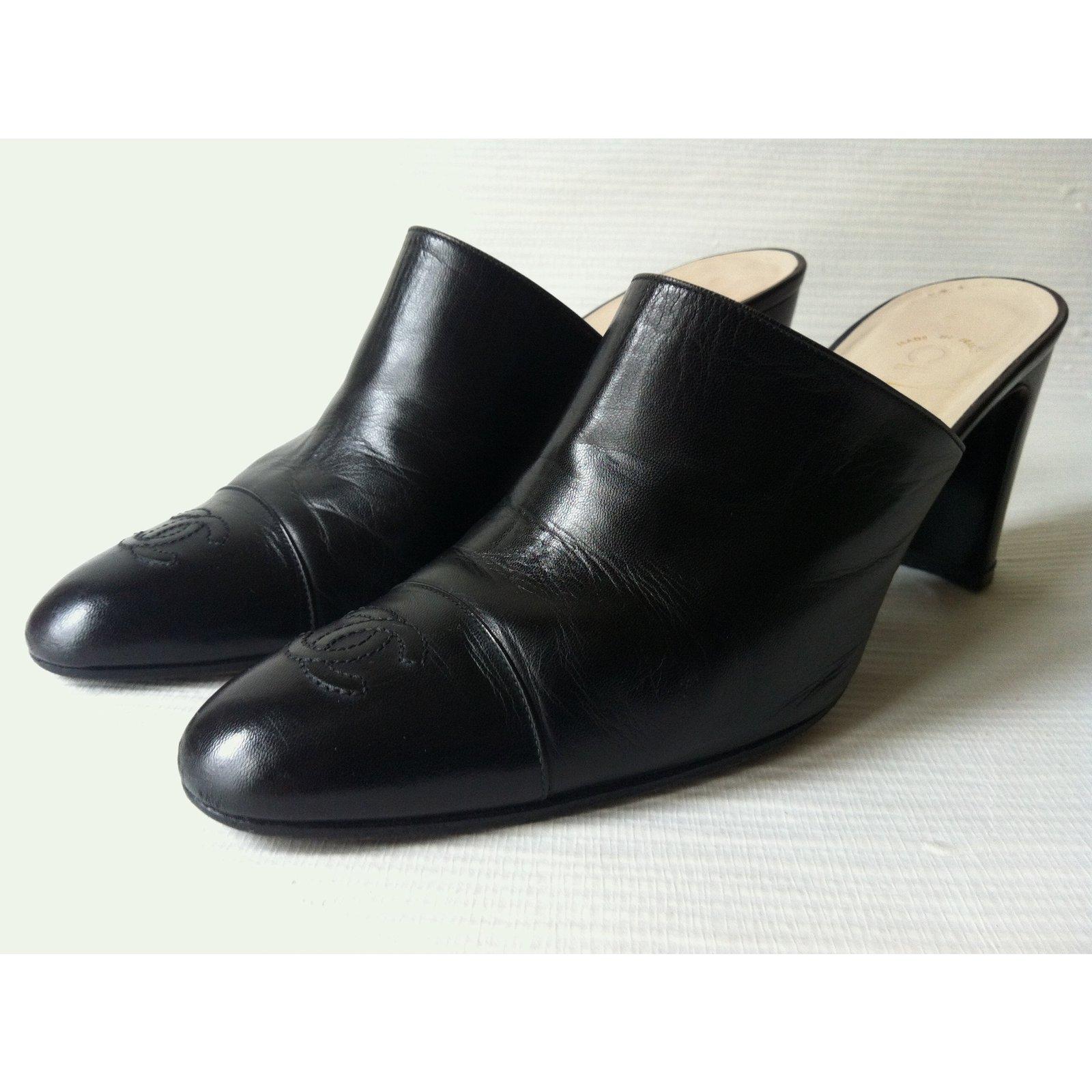 7423288c11ec Chanel Mules Mules Leather Black ref.18470 - Joli Closet