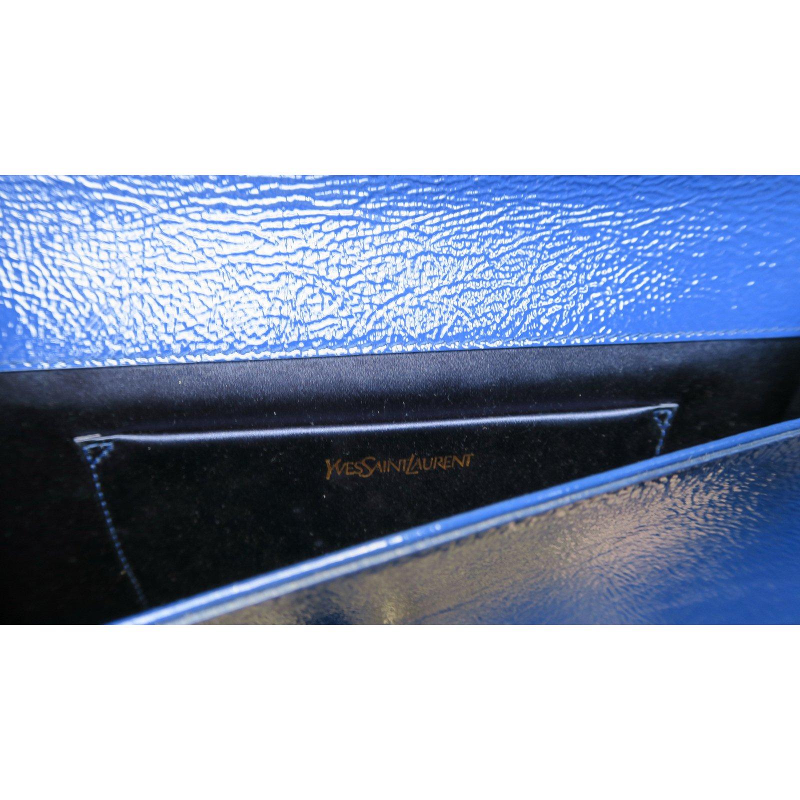 c884059a6b Yves Saint Laurent Clutch bags Clutch bags Patent leather Blue ref.19318 -  Joli Closet