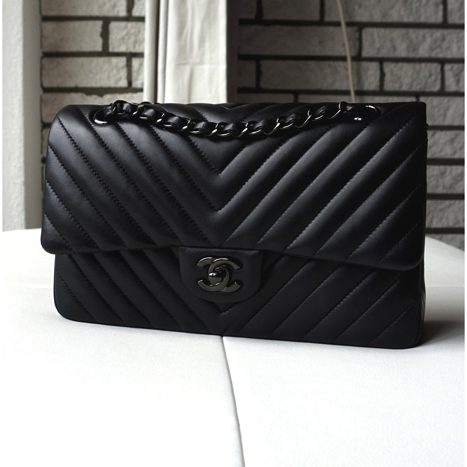 Chanel Timeless Handbags Lambskin Black ref.20542 - Joli Closet e2d1dbc5ca3e