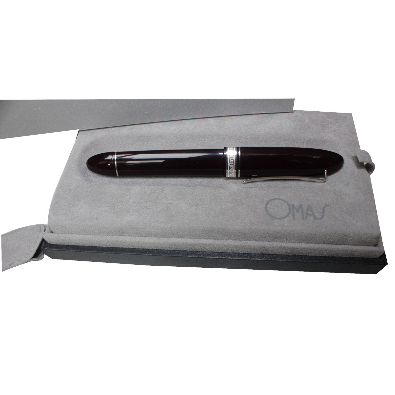 stylo de marque bordeaux