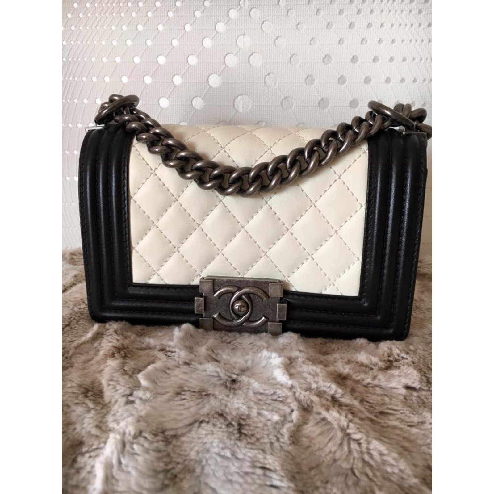 Sac A Main Chanel Blanc Et Noir : Sacs ? main chanel boy noir et blanc cuir ref