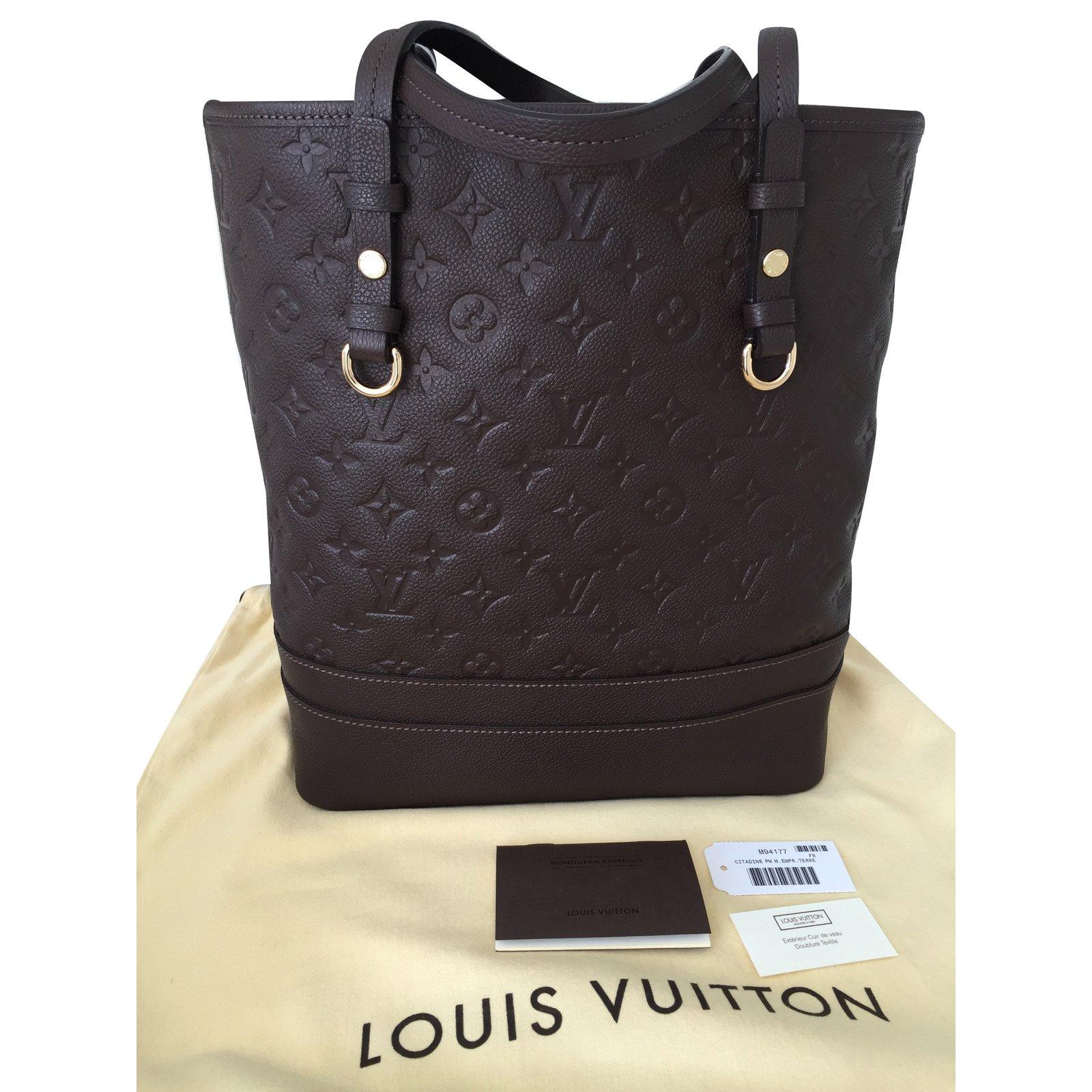 8a7c1c7a14e0 Sacs à main Louis Vuitton Citadine Cuir Chocolat ref.23531 - Joli Closet