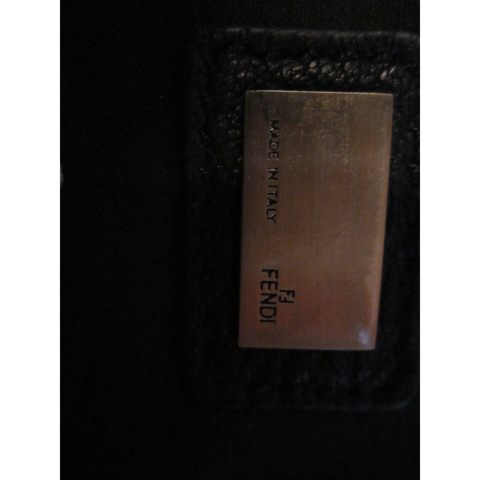 bf9be18c4b Fendi Handbag Handbags Leather Black ref.24672 - Joli Closet