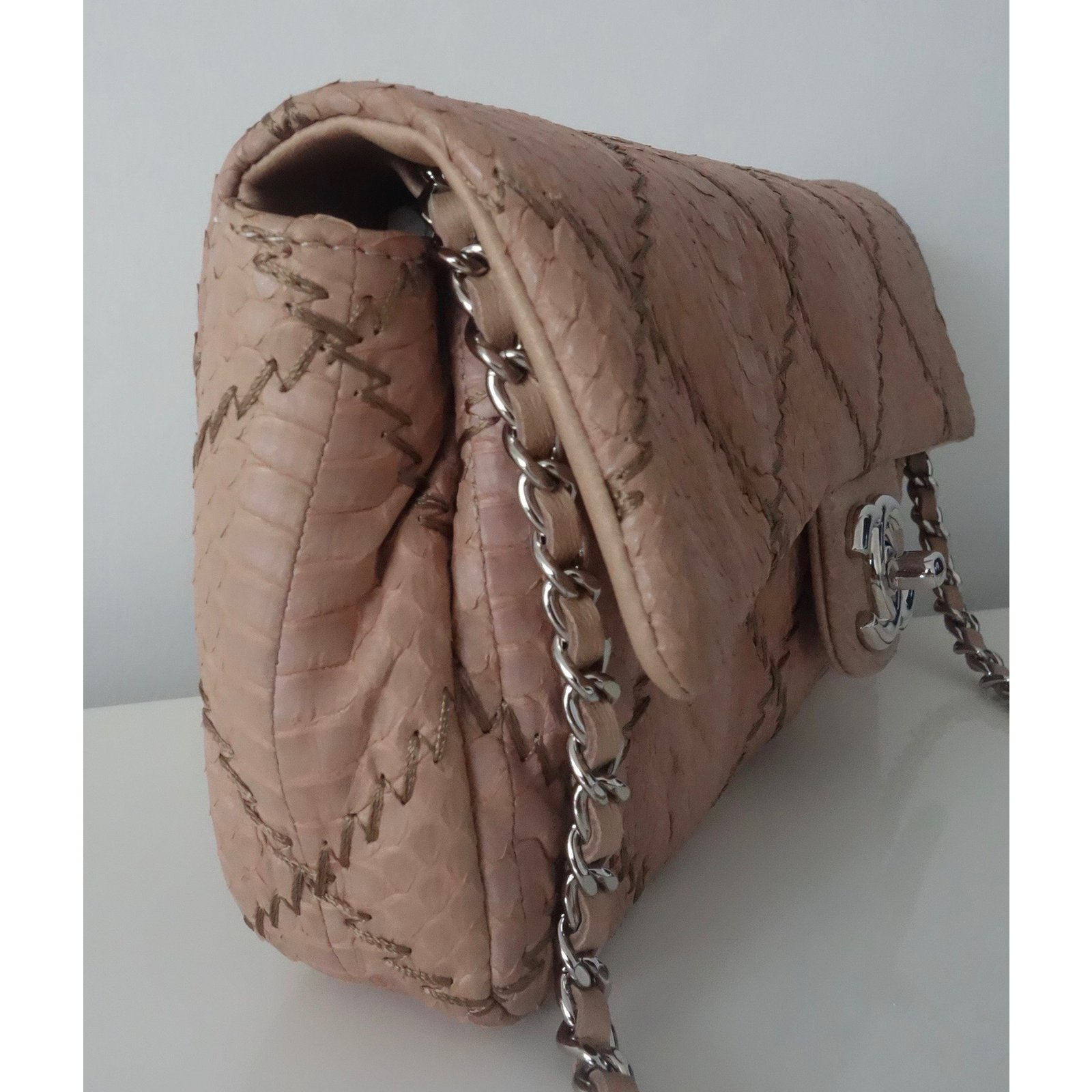a94d296a770e28 Chanel MADEMOISELLE BAGUETTE Handbags Exotic leather Beige ref.26588 - Joli  Closet