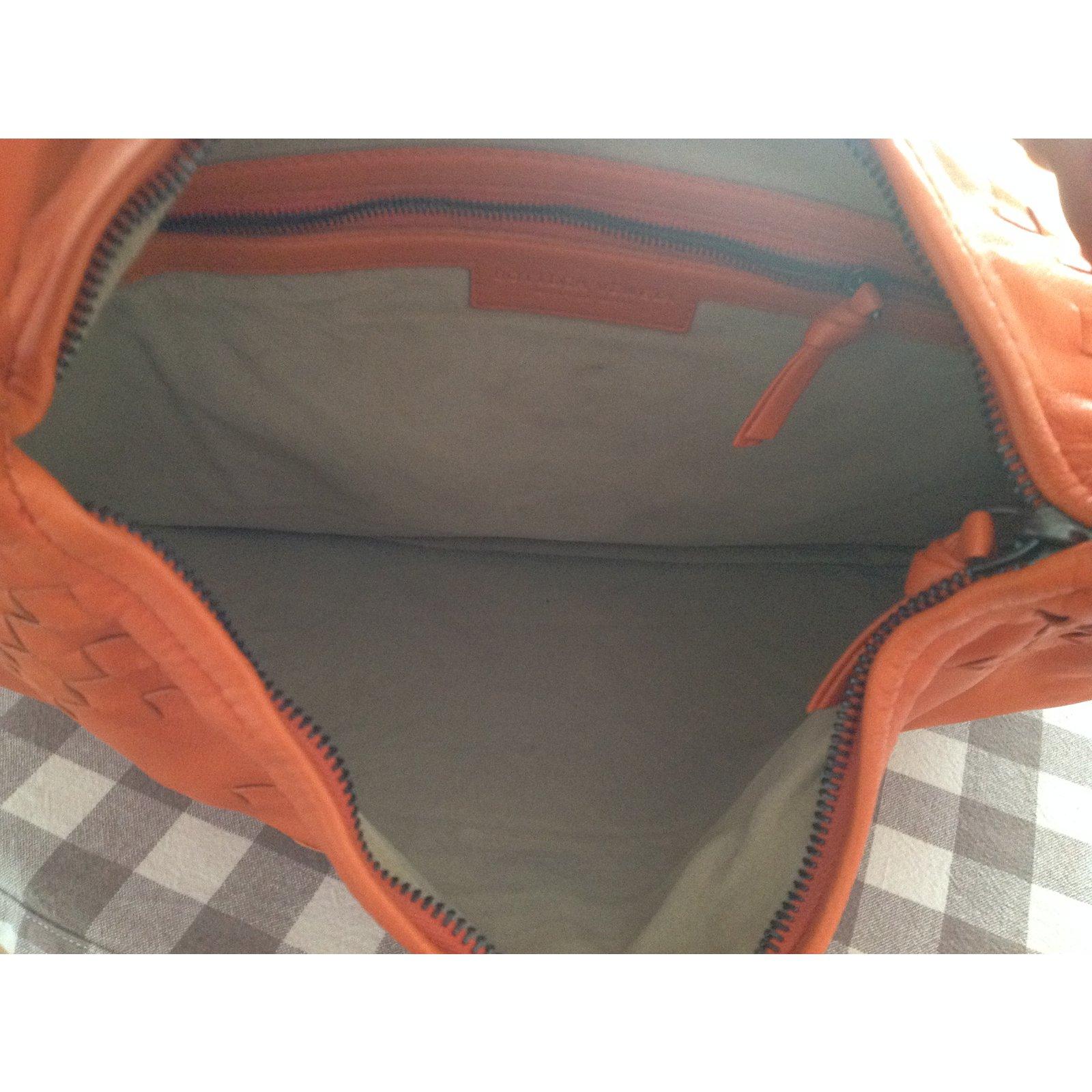 581a4d1e10 ... Women s bags Bottega Veneta · Handbags Bottega Veneta · Facebook · Pin  This