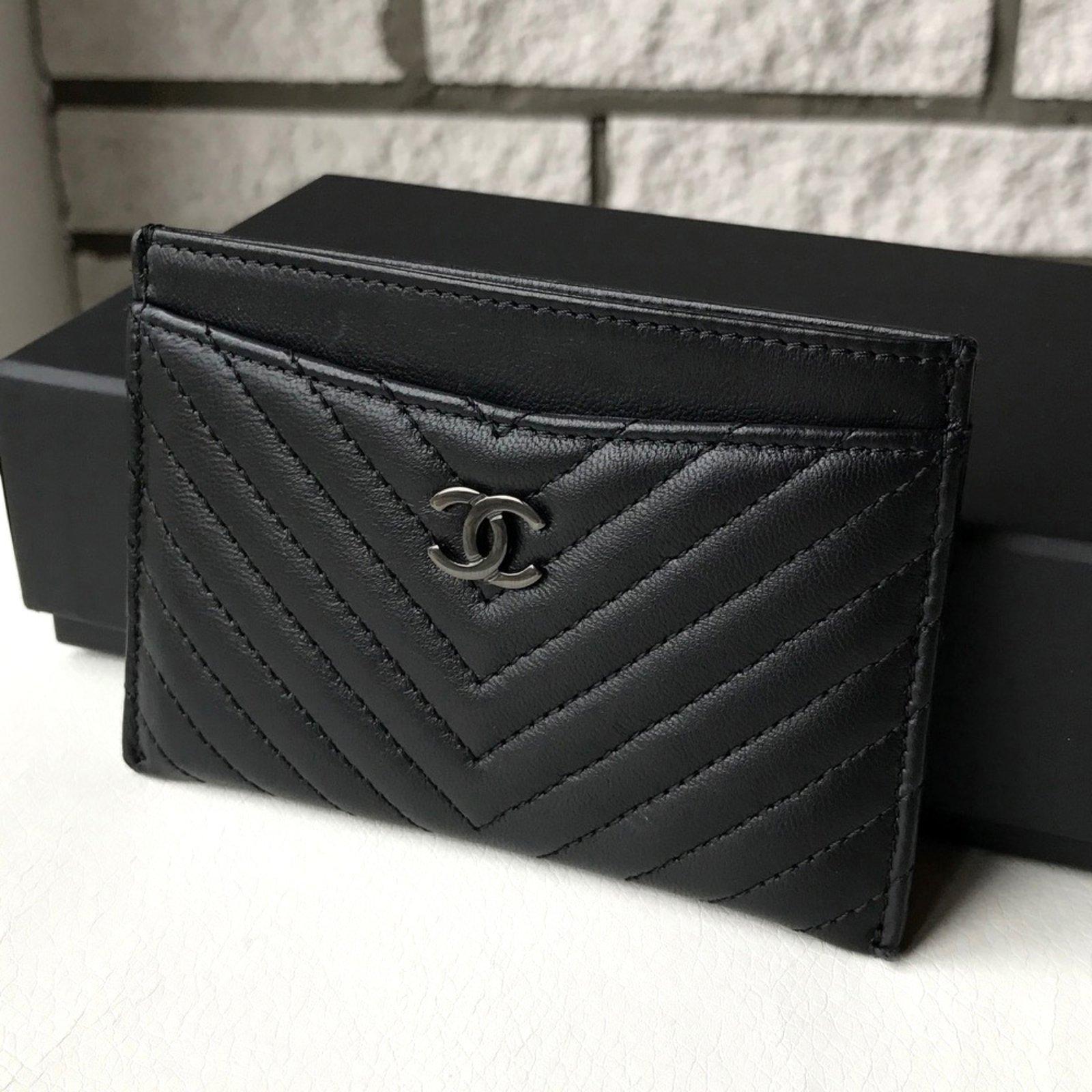 b34dd8e6528ad2 Chanel SO BLACK card holder Purses, wallets, cases Leather Black ref.28082  - Joli Closet