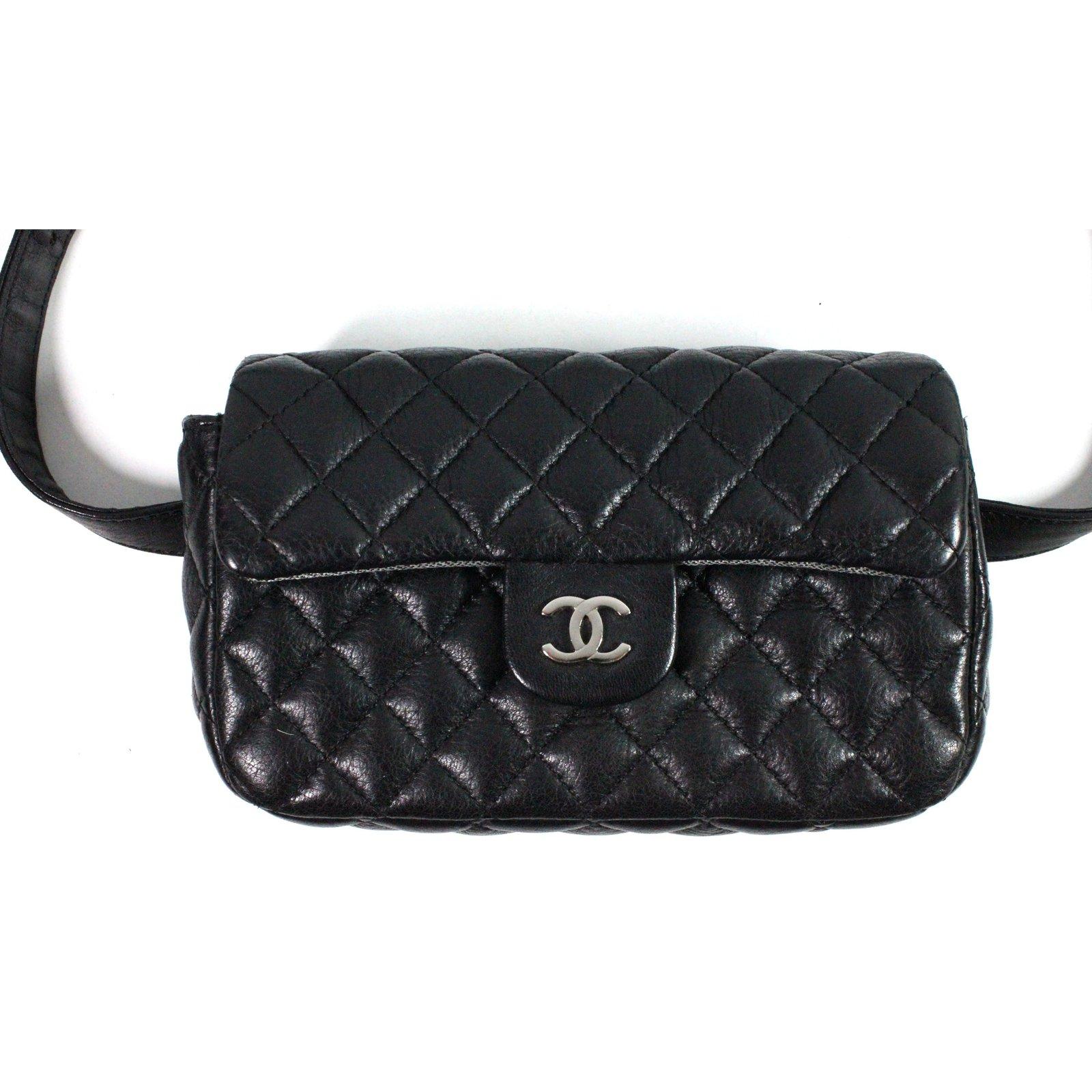 Chanel Uniform Bag belt Clutch bags Leather Black ref.28477 - Joli Closet b0c671768a7
