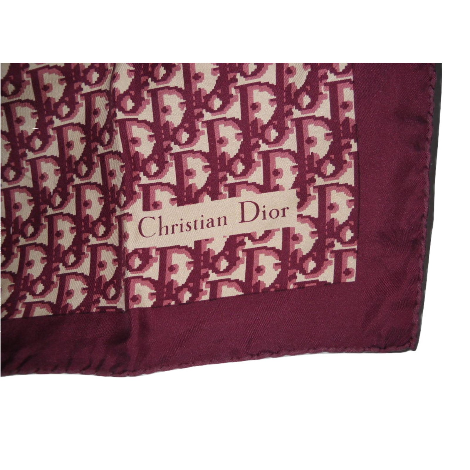 tout neuf vraie qualité nouveau concept DIOR foulard vintage en soie logoté