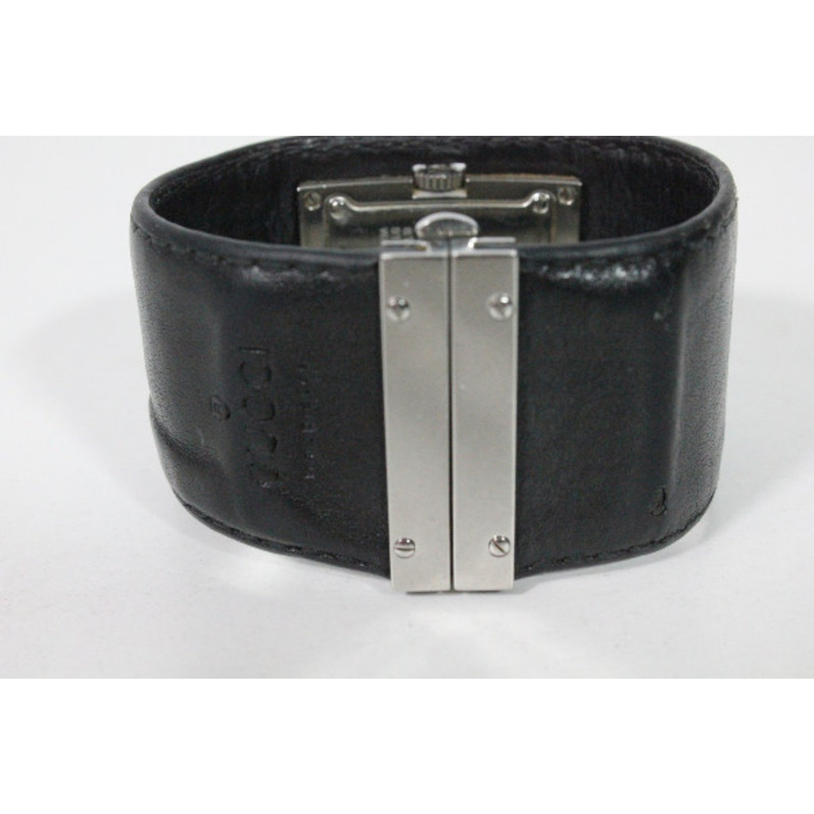 e5c2230959b montre gucci femme bracelet cuir noir