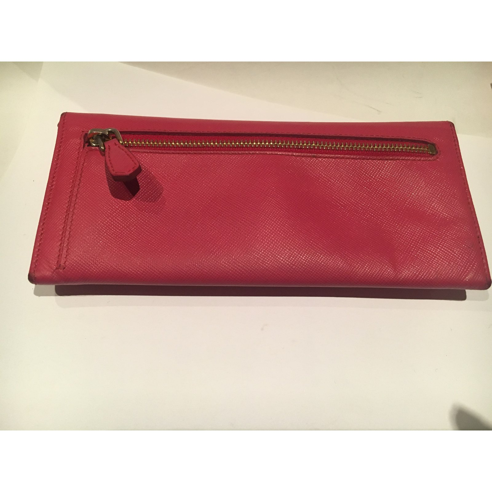 c53fa0baf8bea9 Prada Purse Wallets Leather Pink ref.31439 - Joli Closet