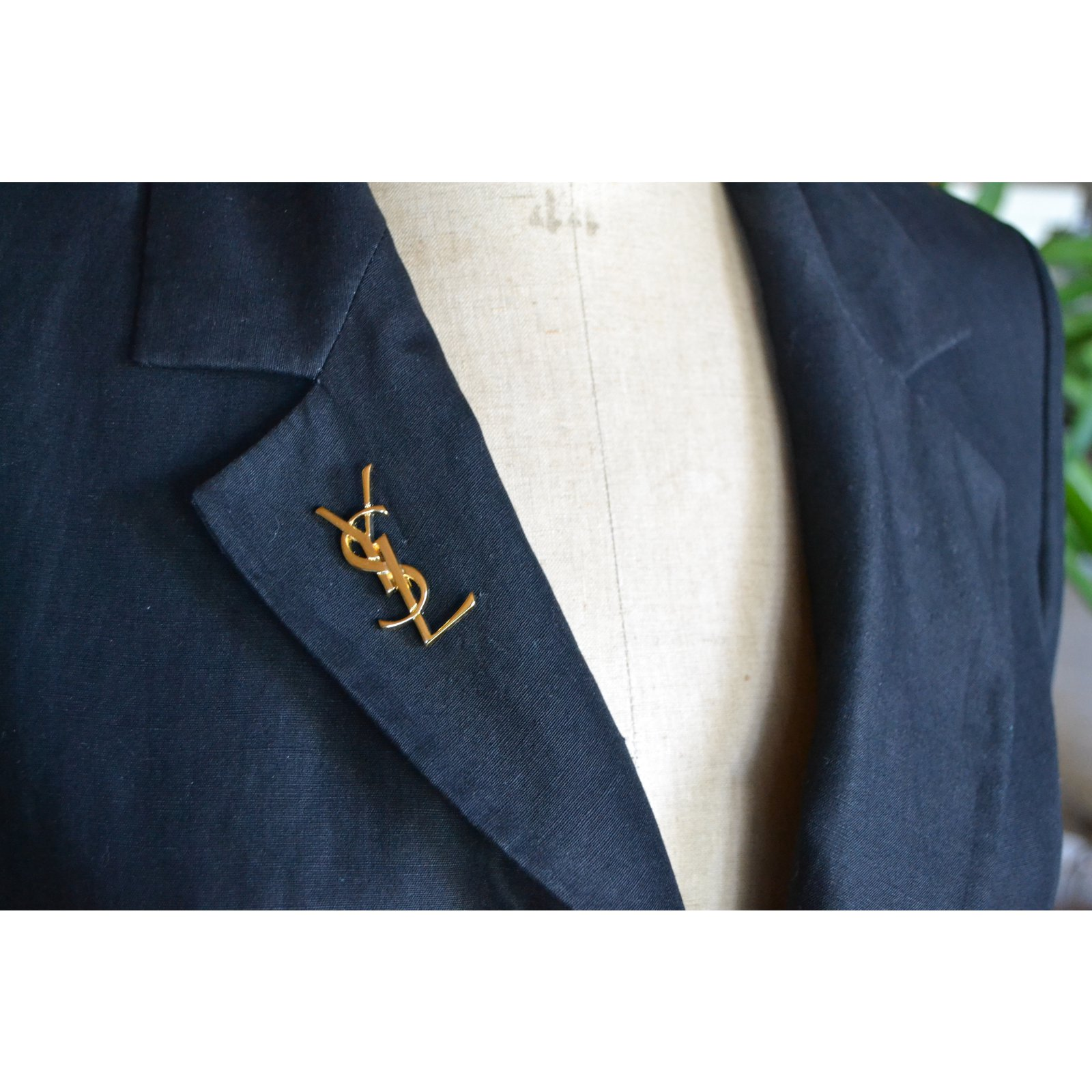 flower pearl lapel blazer chain and product pin star with hanging knighthood brooch