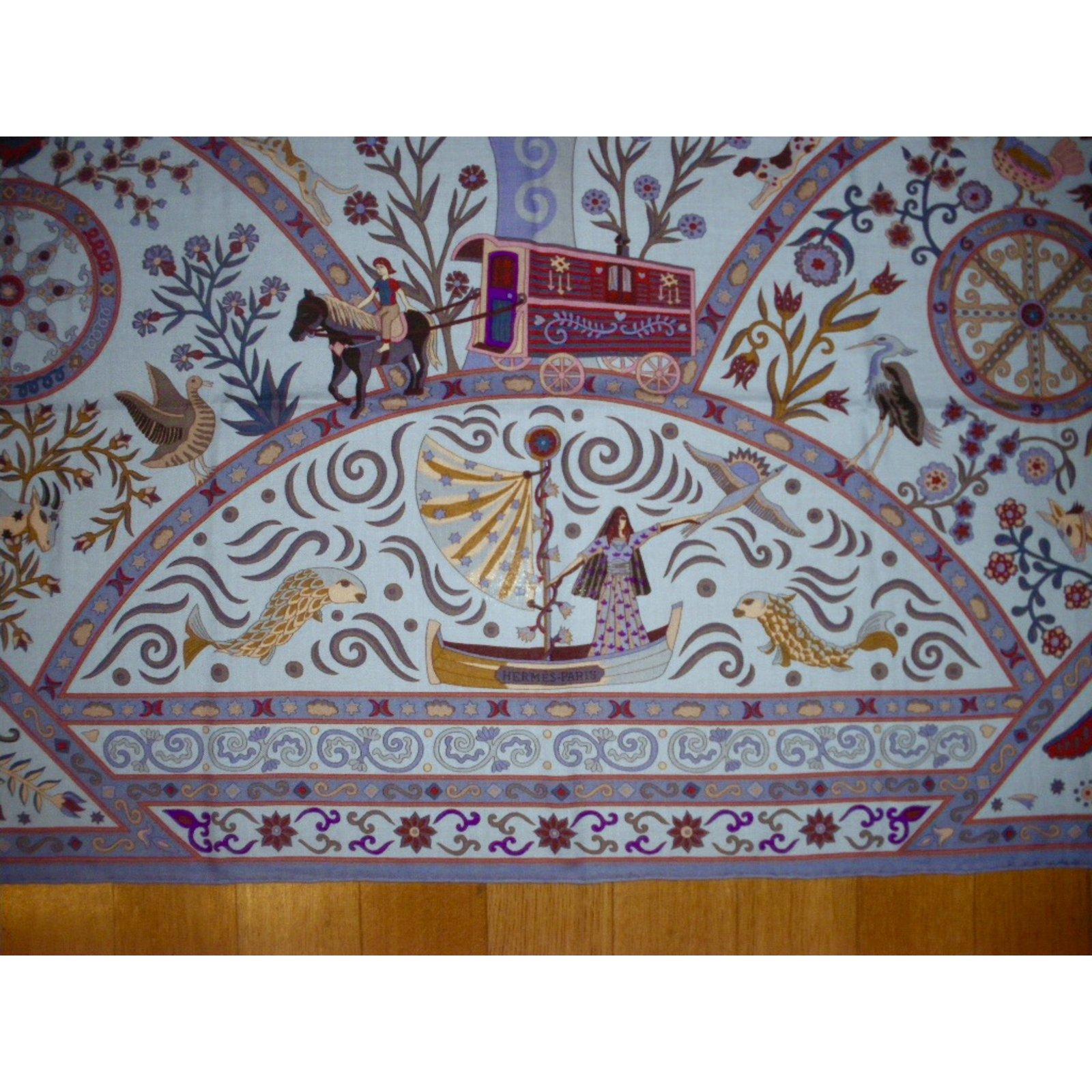 Carrés Hermès PEUPLE du VENT Cachemire Multicolore ref.32464 - Joli Closet 902668a7f23