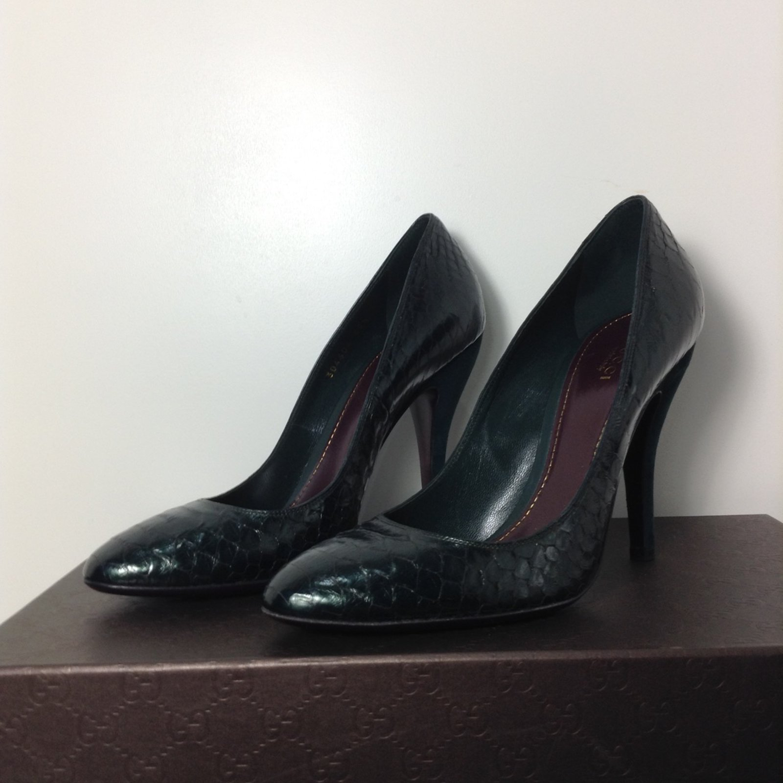 bf0daf85796 Gucci Exotic hell gucci Heels Exotic leather Green ref.32565 - Joli ...