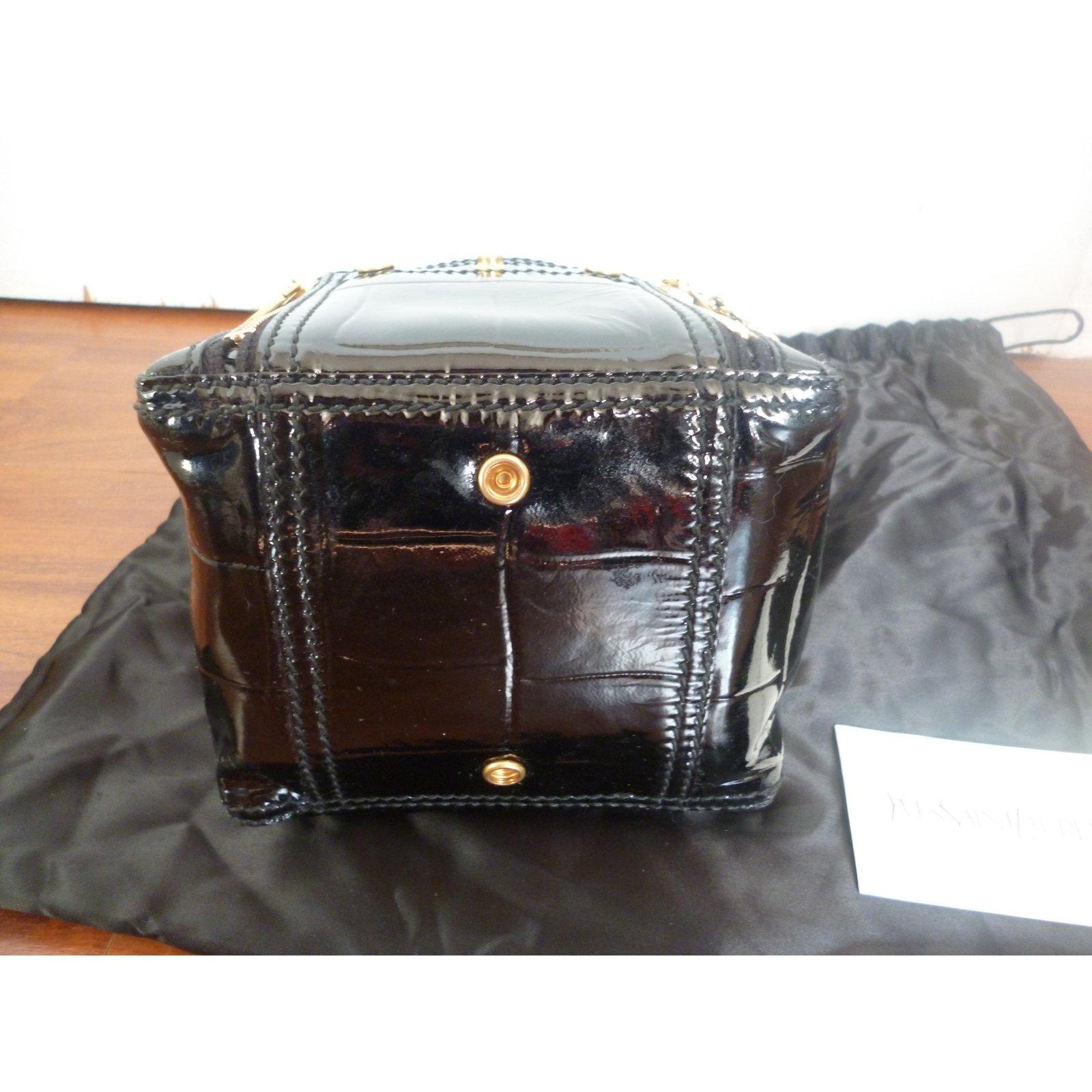 Yves Saint Laurent mini Downtown Handbags Patent leather Black ref.33865 - Joli  Closet 295c08d339