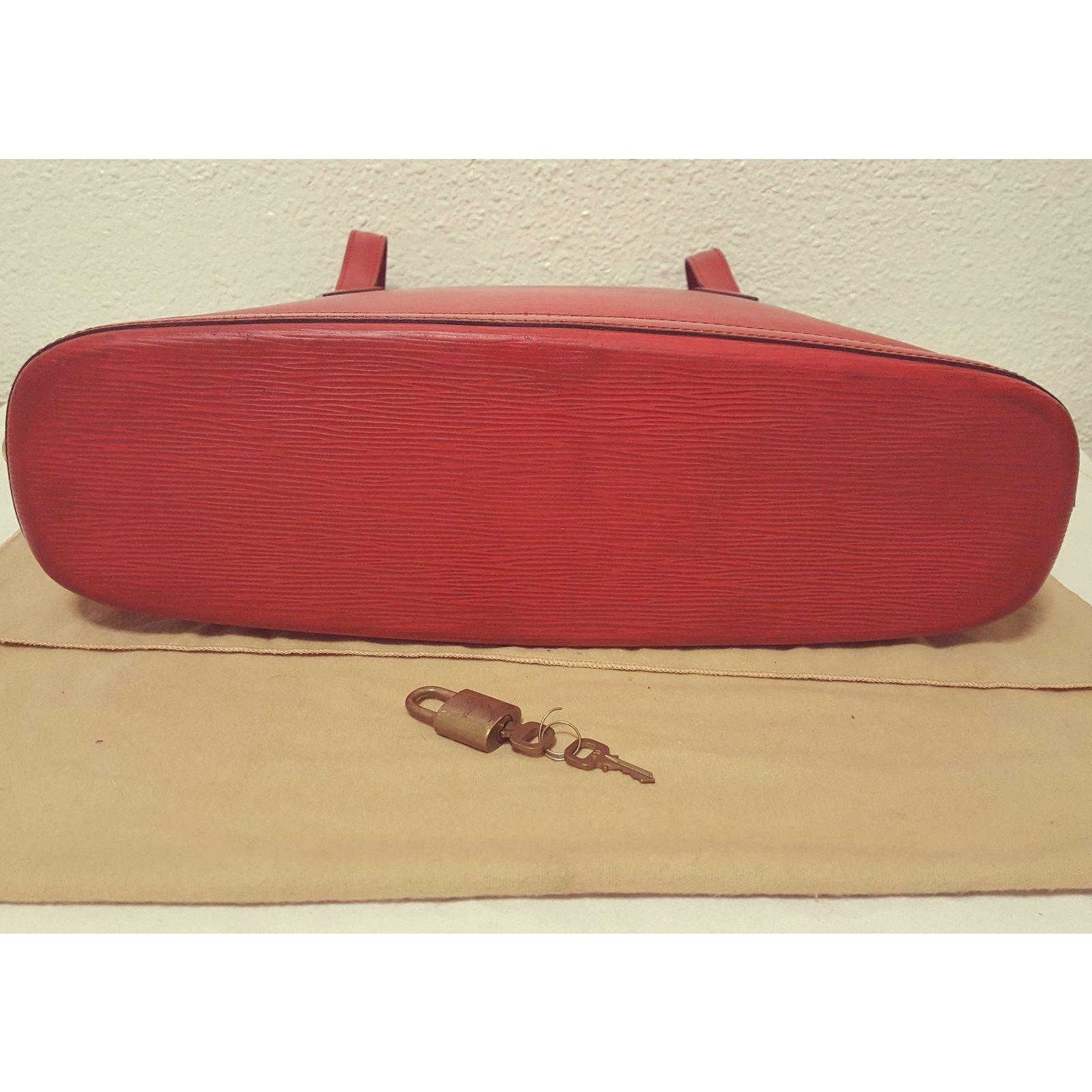 9941391d2d43 Louis Vuitton Handbag Handbags Leather Red ref.33893 - Joli Closet
