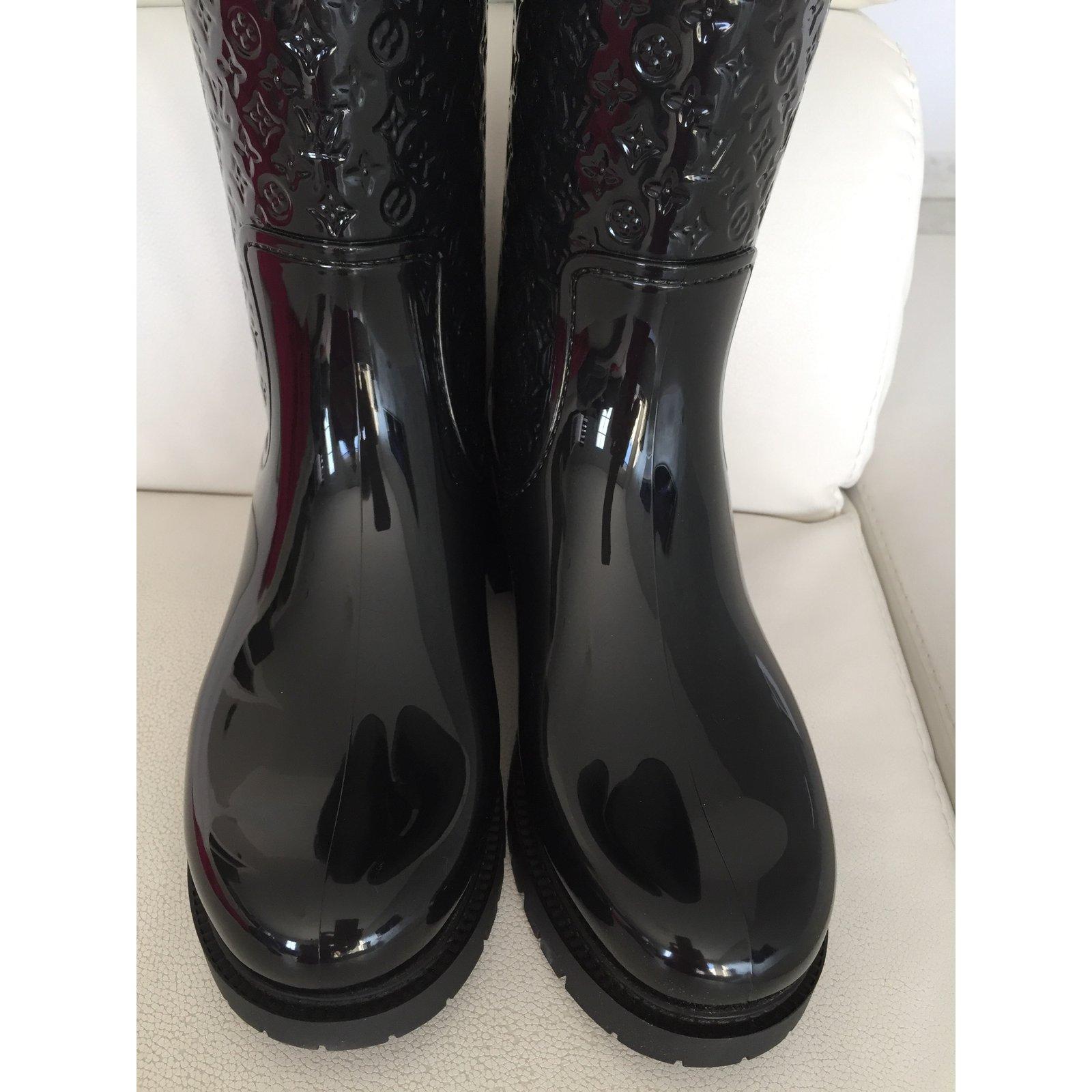 Bottes Louis Vuitton Bottes splash flat hight boot Caoutchouc Noir  ref.34241 - Joli Closet b0e482fc592