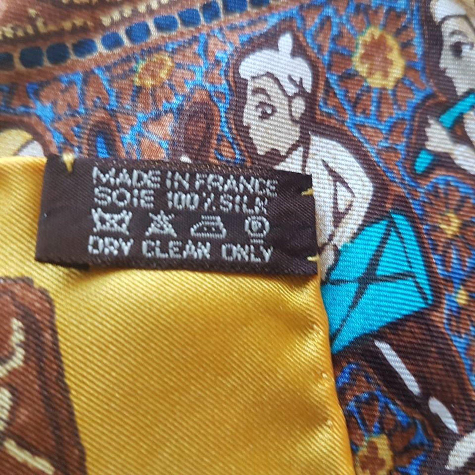 ea79ab3ecf8 Hermès Hermes Giant Twill Silk Scarf Silk scarves Silk Brown ref.35891 -  Joli Closet