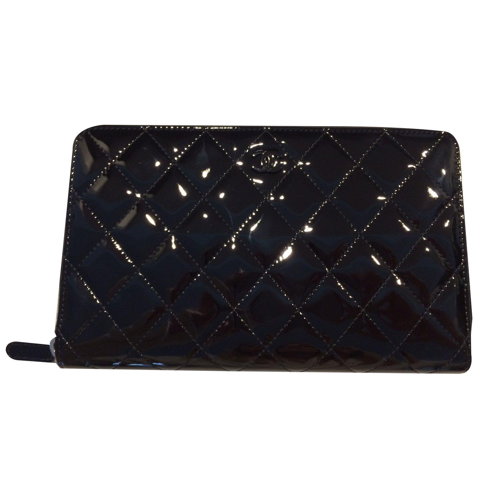 Portefeuilles Chanel PORTEFEUILLE   COMPAGNON CHANEL (Timeless) Cuir vernis  Noir ref.36867 - Joli Closet b556831de7e